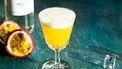 Vlierbloesem sour cocktail met passievrucht