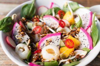 Afbeelding van roedjak hartige Indonesische fruitsalade met een twist