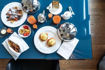 Ontbijt in het Conservatorium Hotel