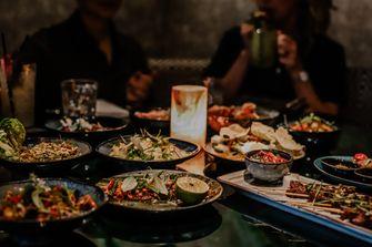 Eten en sfeer bij TIWYA in Rotterdam