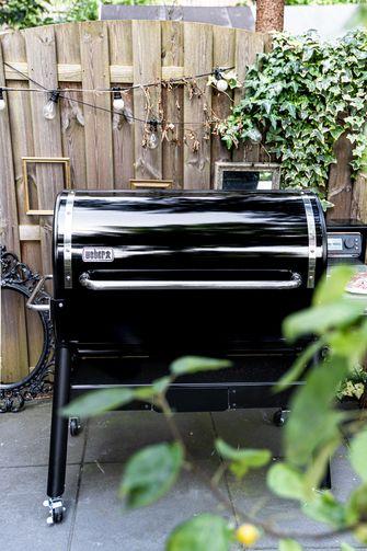 Weber Smokefire barbecue