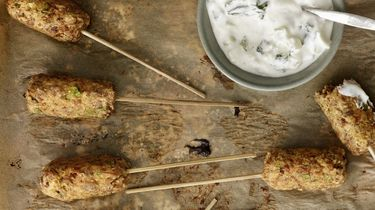 Turkse spiesjes met pulled oats en tzatziki