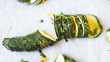Hasselback courgette