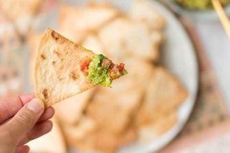 Zelfgemaakte tortilla chips