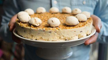 nougatine ijstaart als voorbeeld van desserts om vooraf te maken