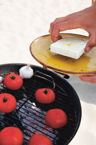 Tomaat met gebarbecuede feta