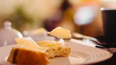 boterkuipjes in restaurant laten liggen