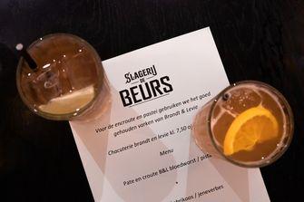 Cocktails bij Slagerij de Beurs
