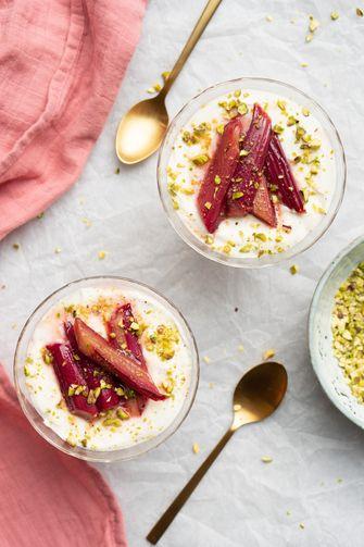 Makkelijk dessert met rabarber