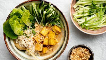 Thaise saté bowl: vegetarisch recept