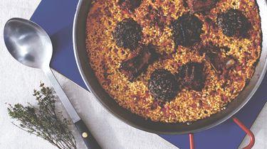 rijst met spareribs en bloedworst
