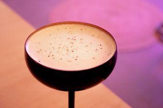 Espresso Martini met spekkoek bij Ta Toru