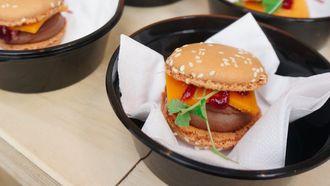 chocoladeburger macarons hamburger