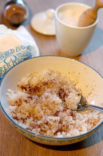 Rijst met boter, suiker en kaneel
