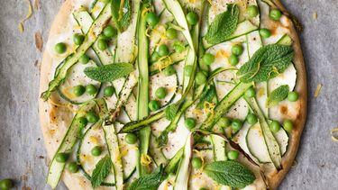 lentepizza als voorbeeld van asperge recepten