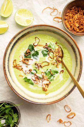 Thaise broccolisoep met kokosmelk
