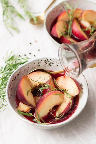 Rode wijn en fruit