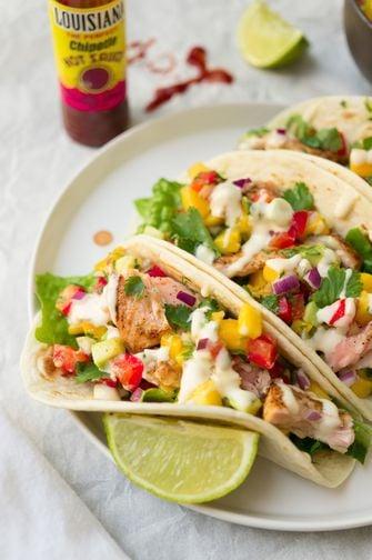 Taco's met zalm avocado-mangosalsa
