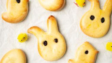 Saffraanbroodjes voor Pasen
