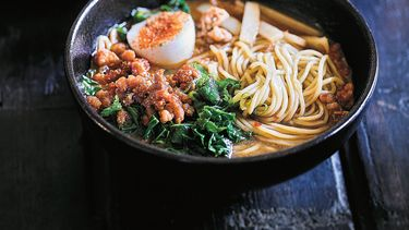 Tantanmen: Spicy ramen met miso en kip