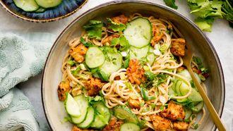 Vegetarische noodles met tempeh voor weekmenu week 31