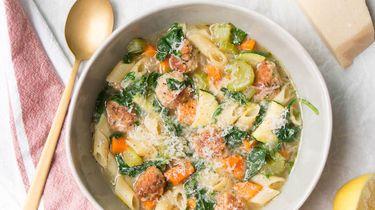 Zomer minestrone soep