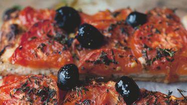 tomatentaart uit plenty more van ottolenghi