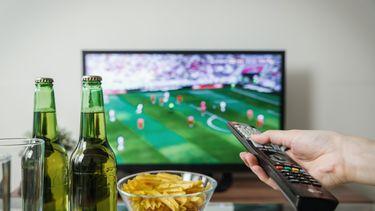 Voetbal kijken en eten