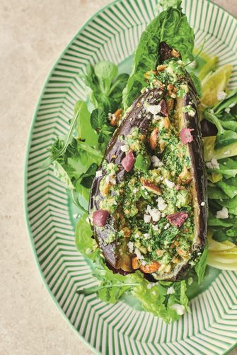 Auberginesalade met feta en olijven van Jamie Oliver