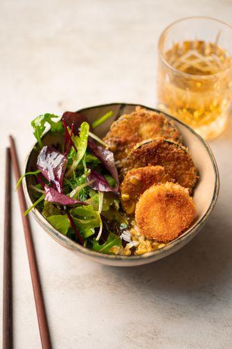 Katsu curry met aubergine en zoete aardappel