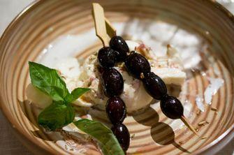 Burrata met geroosterde druiven van Yotam Ottolenghi