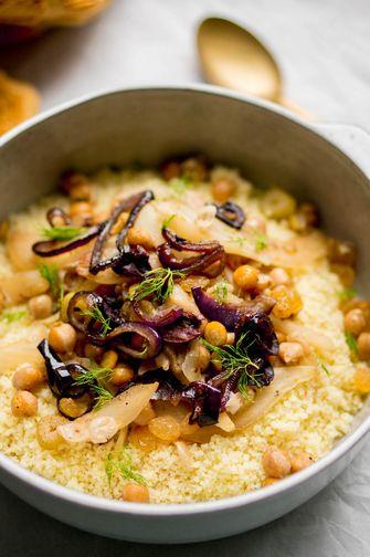 Couscous met rode ui