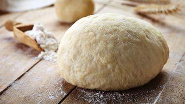 napolitaans pizzadeeg maken