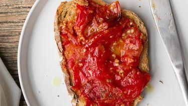 toast tomaten over
