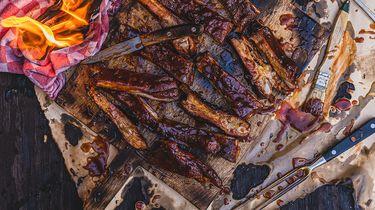 sticky ribs van de barbecue