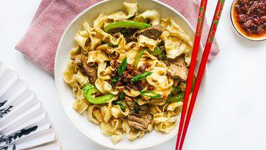 Kantonese noodles met biefstuk
