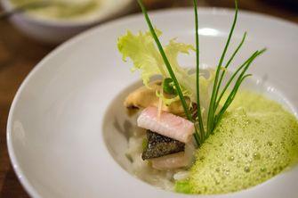 Skrei met paling en groene mosterd