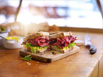 pastrami sandwich / The New York Deli