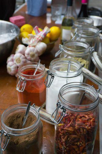 Specerijen bij workshop Brandt & Levie
