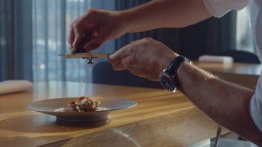 Screenshot uit de trailer van miniserie Meet the Chef