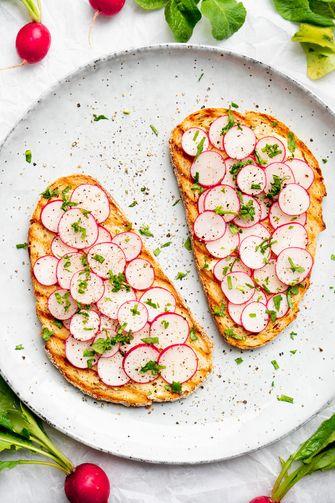 Radijsjes op toast met zoute boter