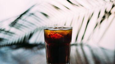 Afbeelding bij groot ijsblok in je drankje 1