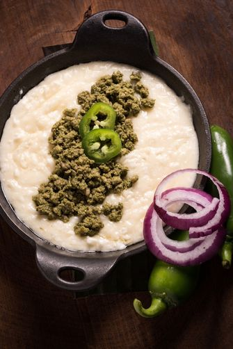 queso fundido met groene chorizo
