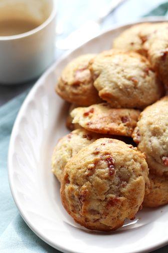 bacon scones met maple syrup