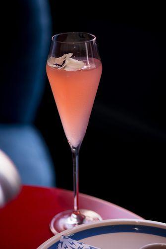 Champagne cocktail bij Super Lyan
