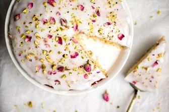 Valentijn taart: Perzische liefdestaart met rozenwater