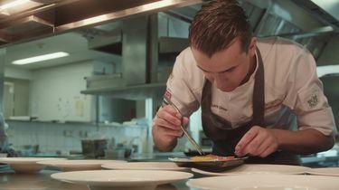 Lars en Mike aan het werk in de keuken voor Bocuse D'or