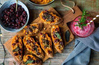 Kerst-toast met pompoen en cranberry
