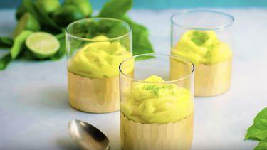 Mango-sorbetijs maken zonder ijsmachine