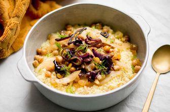 Couscous met venkel, olijven en rozijnen